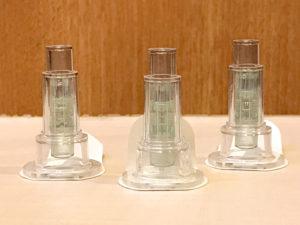 3本の極細針で構成されているマイクロ注射針